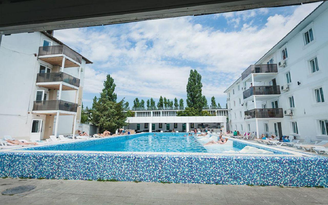 Коблево, отель Charisma Hotel 3*